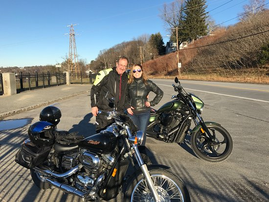 West Boylston, MA: Emmy parking lot for a beautiful winters day ride