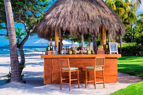 The St. Regis Punta Mita Resort: Coco Loco Station