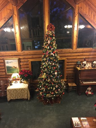 Cedar Crest, NM: Mid-level guest lounge Christmas 2016