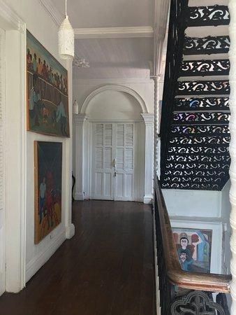 escalier Palier 2e etage - Picture of Hotel Florita, Jacmel ...