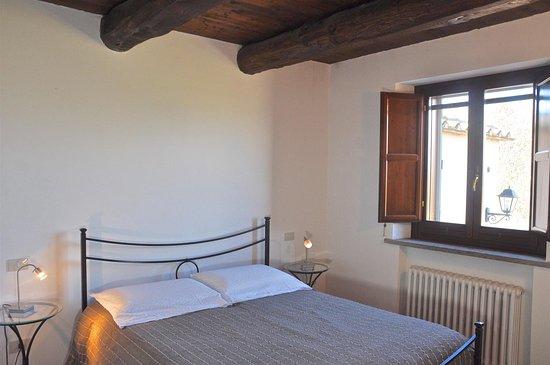 Borgo Solario : camera di un appartamento 2+3