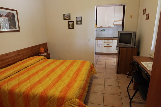 Agriturismo La Giannottola: miniappartamento con camera tripla e angolocottura.