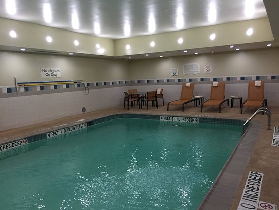 Kingston, NY: very clean facilities - swimming pool