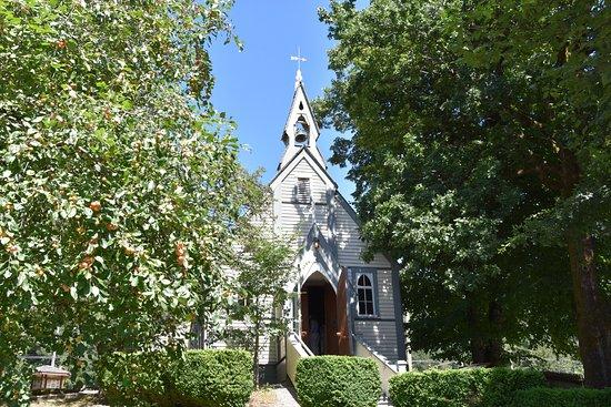 Yale, Канада: Kirche