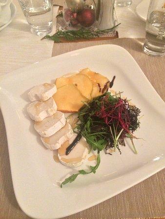 Benesov, República Checa: Předkrmy a hlavní jídla na dámském sezení :)