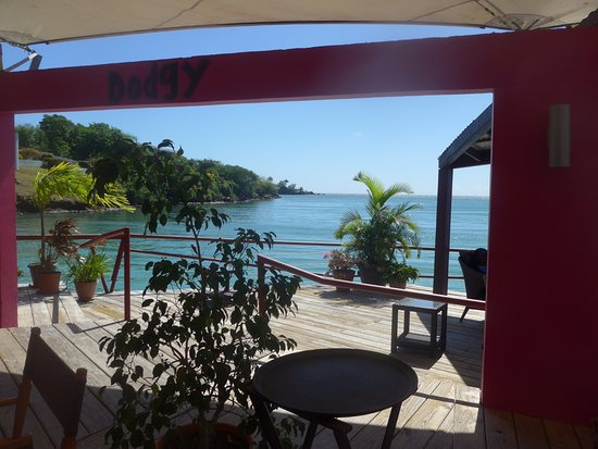 Dodgy Dock Restaurant and Lounge Bar: Vue sur la baie