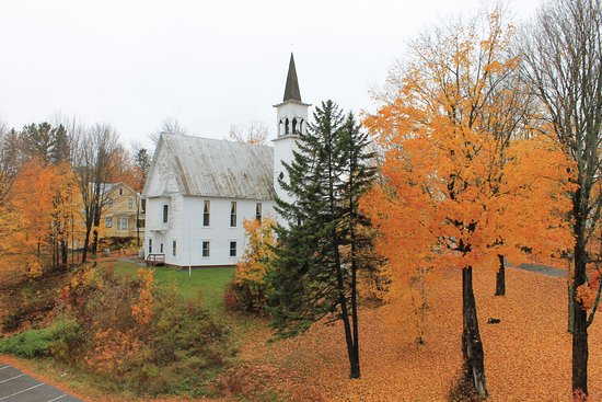 Kingfield, ME: Stunning views of the fall foliage from our guest rooms.