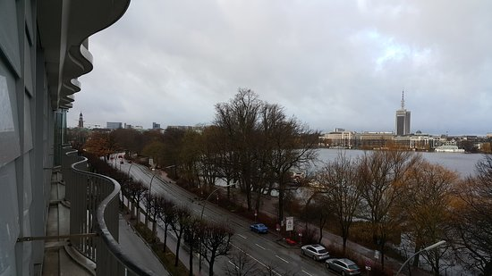 Le Meridien Hamburg: View from a 5th floor room