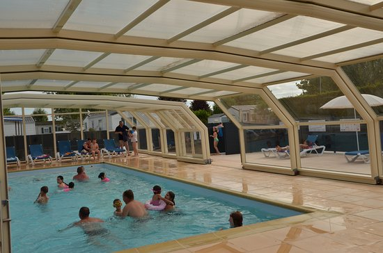 Piscine chauff e et couverte st malo photo de camping le for Camping saint malo piscine couverte