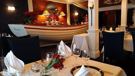 Ayer's Cliff, Canada: Restaurant
