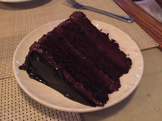 Big Game Club Bar & Grill: Conch Chowder & Chocolate Cake!