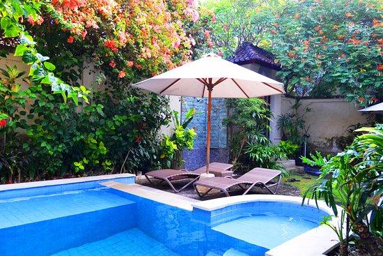 Umadasa Seminyak: Pool & Garden View