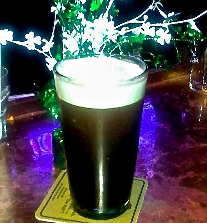 Blarney Stone Pub: Guinness! Yes, please! Sláinte