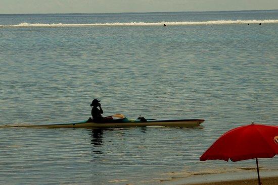 Punaauia Beach: PK 18, quiet lagoon beach