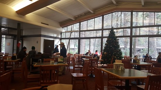 The River Restaurant Lounge Accesible