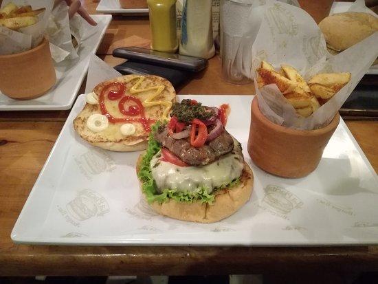 La Placita Burger Bar: IMG_20161227_214555_large.jpg