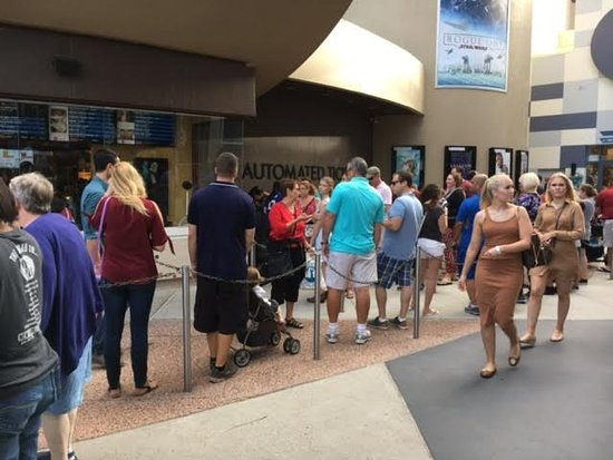 amc disney springs 24 with dine in theatres long wait at ticket booth due