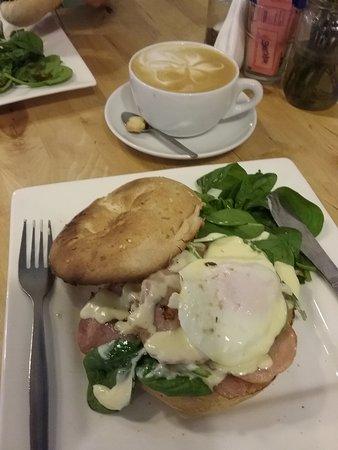 Joondalup, Australia: Eggs Benedict - Scrummy!