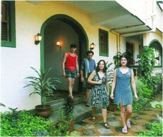 Kismat Mahal: Hotel Entrance