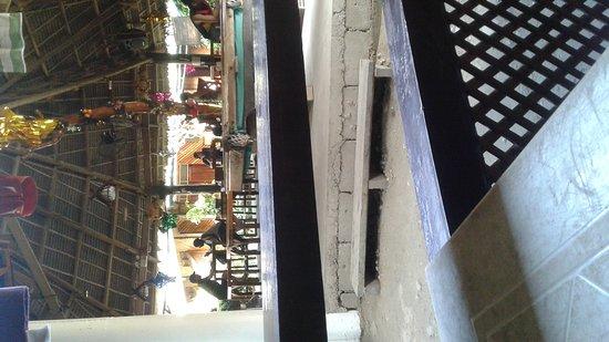 Frendz Resort & Hostel Boracay: 20161228_143157_large.jpg