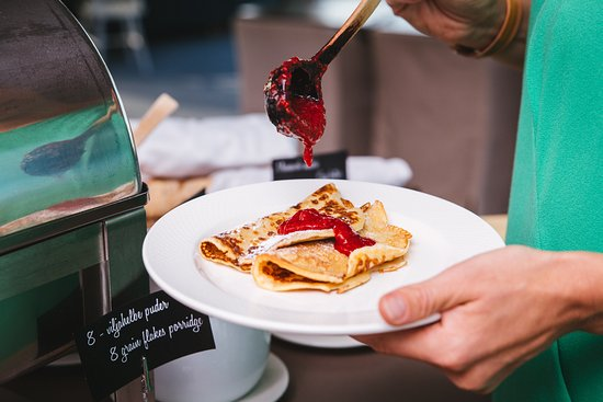 Georg Ots Spa hotel breakfast