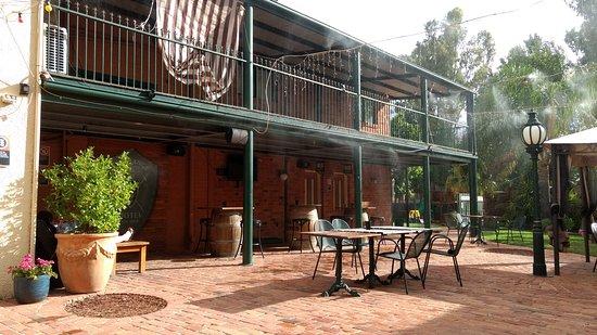 Deniliquin, Australia: Beer garden