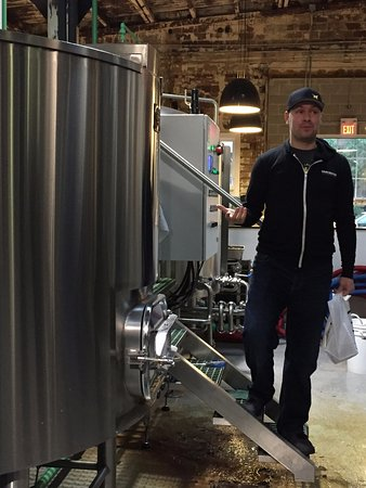 Vancouver Brewery Tours: Our guide for the night, Dave