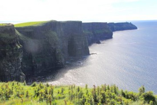 Drogheda, Irlanda: Are you looking for affordable vacation packages? At Chauffeur Tours, we offer best multi day to