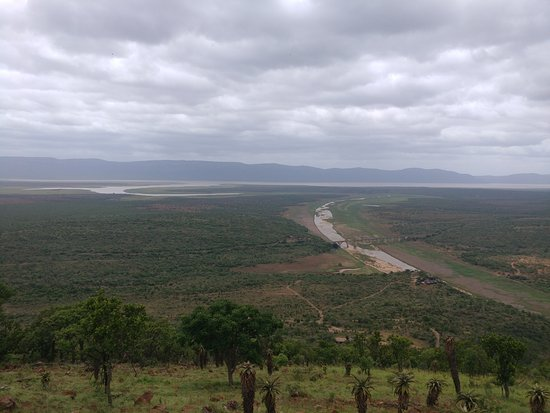 Mvubu River Lodge: View at a point on game drive
