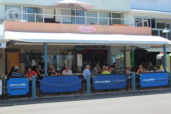 Sunny's at Moffat: Undercover outdoor dining