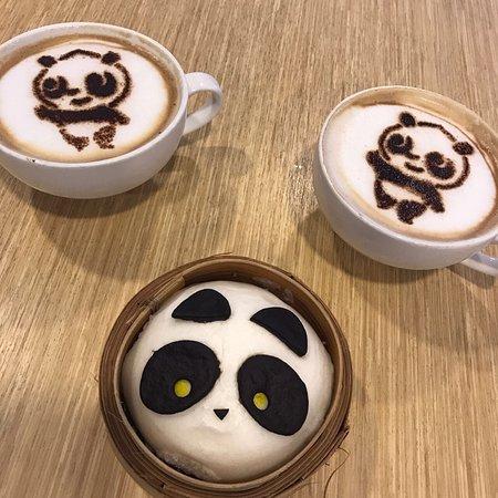 photo1.jpg - Picture of Mama Panda