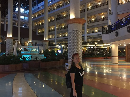 Resorts World Kijal: X'mass in Awana