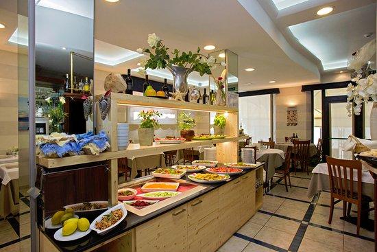 Hotel Lo Squalo Image