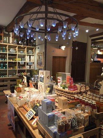 Maison Brémond 1830 Première Pression Provence : Elegant shop