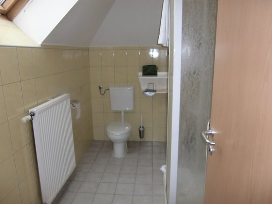 Lendava, Slovenië: bathroom