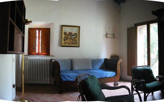 Montecatini Val di Cecina, Italia: soggiorno piano primo casa sarperi