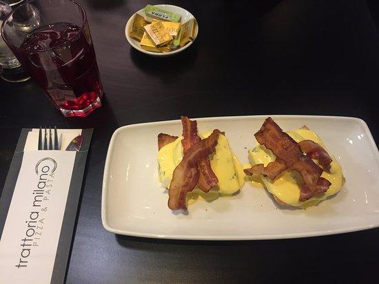 Trattoria Milano: Eggs Benedict