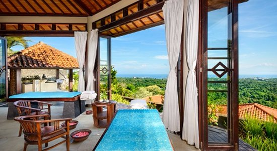 Mansion Stay with Unspeakable Service and Astounding Views