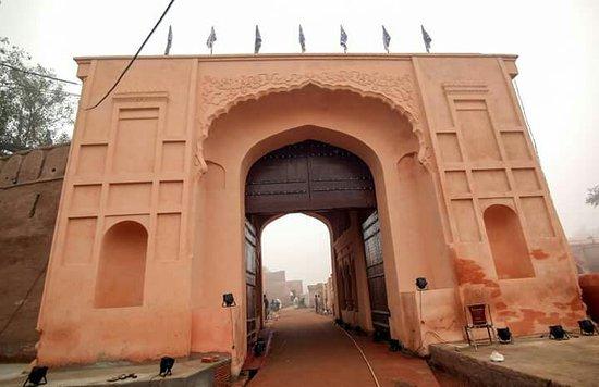 Gobindgarh Fort: FB_IMG_1482865843826_large.jpg