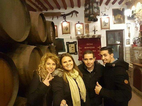 Руте, Испания: Ole ese museo! Oleee esas bebidas y oleee oleeeee ese personal, con ese buen trato que te dan!Lo