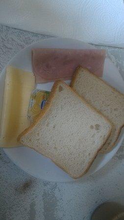 CoolHostel: breakfast or poor sandwich