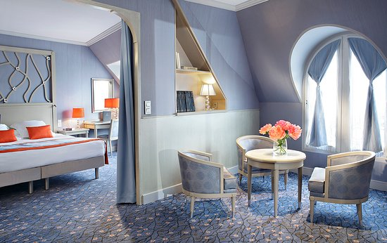 Rochester Champs Elysees Hotel Paris France