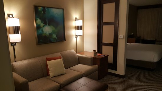 Hyatt Place Atlanta Airport North: 20161227_233821_large.jpg