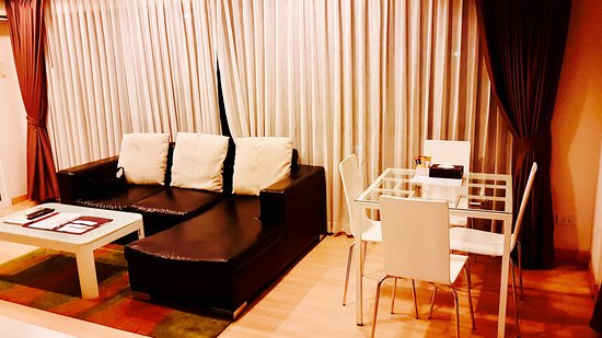 Baan K Residence by Bliston: Dining area in room