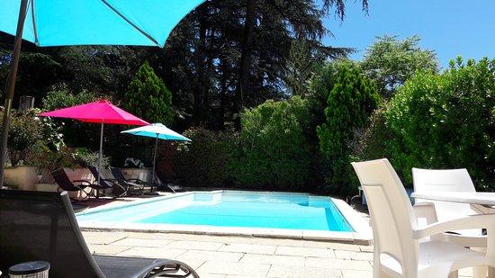 Pavillon Kalensa : La piscine