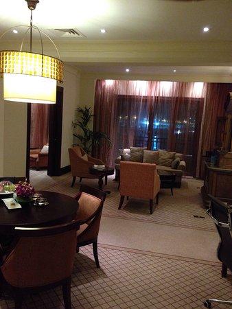 Shangri-La Hotel, Qaryat Al Beri, Abu Dhabi: photo1.jpg