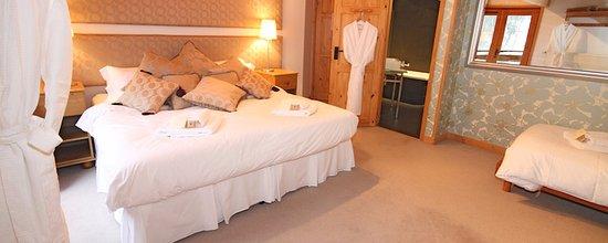 Mountain Mavericks Chalet Chambertin: Family bedroom