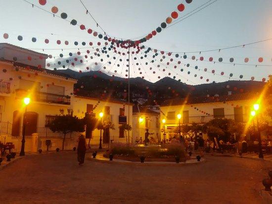 Santa Domingo Church (Iglesia de Santa Domingo): La Nina fountain during Fiesta