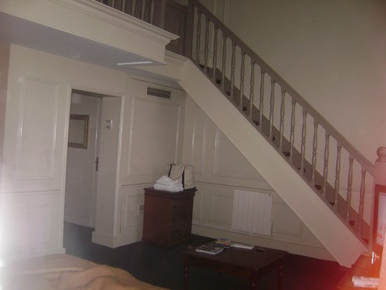 Saint James Albany Hotel Spa View Of Stairs Small Chest Drawers