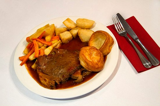 Kippford, UK: A good roast is hard to beat and ours is great - open to non residents too